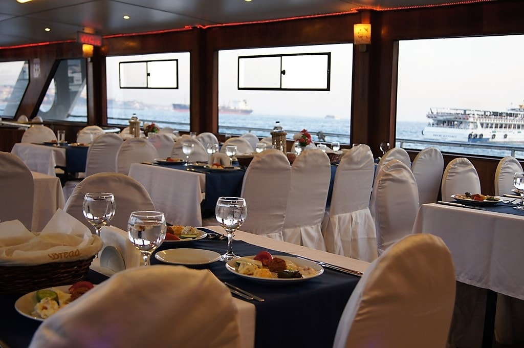 Vancouver Dinner Cruises Seating